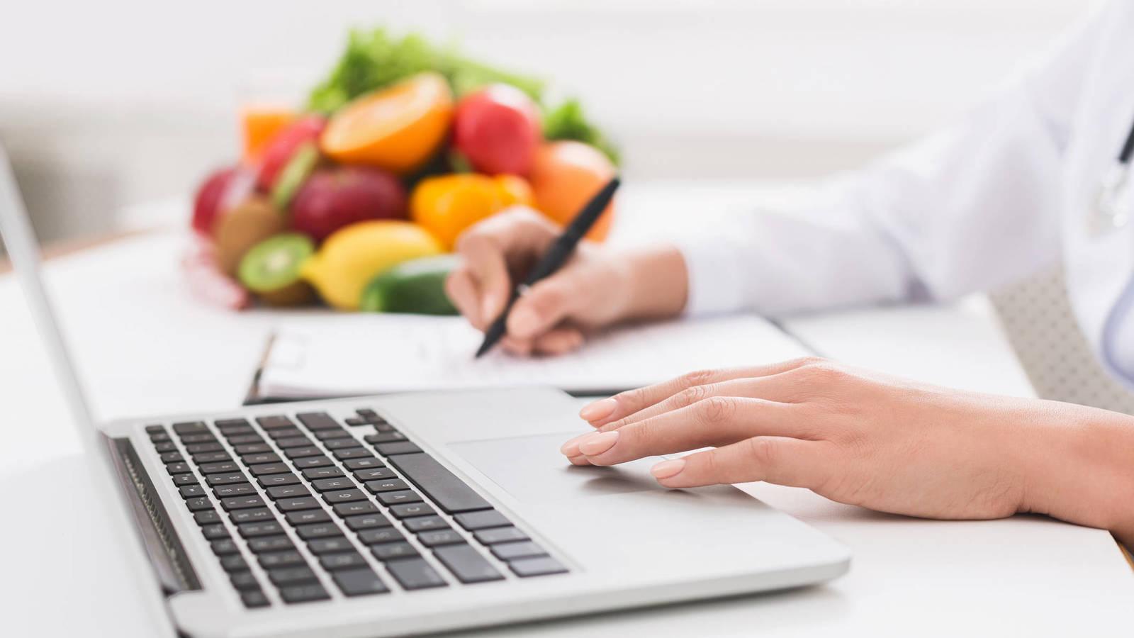 ¿Cuál es la diferencia entre dietista, nutricionista y terapeuta nutricional?